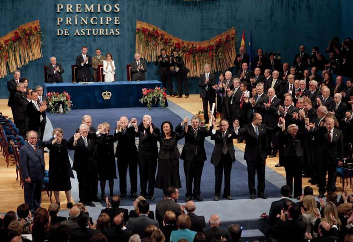 Yad Vashem receives the Prince of Asturias Award for Concord (26 October 2007).